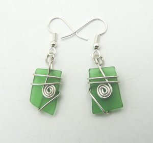 Green+glass+silver+wire+wrap+earring