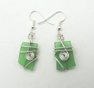 Green+glass+silver+wire+wrap+earring